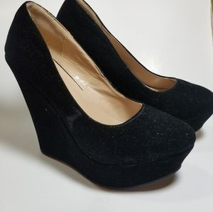 Delicacy Trendy 33 Velvet platform heels Size 10